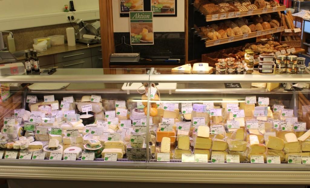 BioKäse und Feinkost-Theke